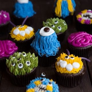 A few decorators tips and some all-natural food color make these the PERFECT Halloween treat!