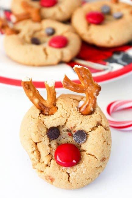 reindeer-cookies-in-progress-3-683x1024