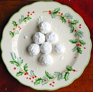 Mexican Wedding Cookies (or Snowball Cookies)