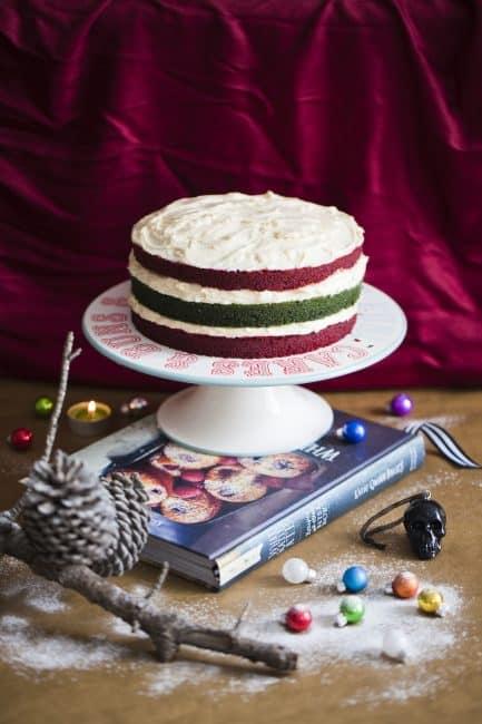 http://iambaker.net/wp-content/uploads/2017/02/2012-12-5-christmas-velvet-cake-55-ee-433x650.jpg