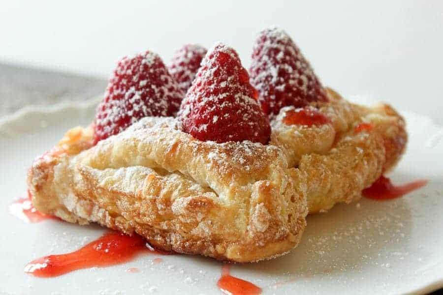 Fresh Strawberry Tarts - i am baker