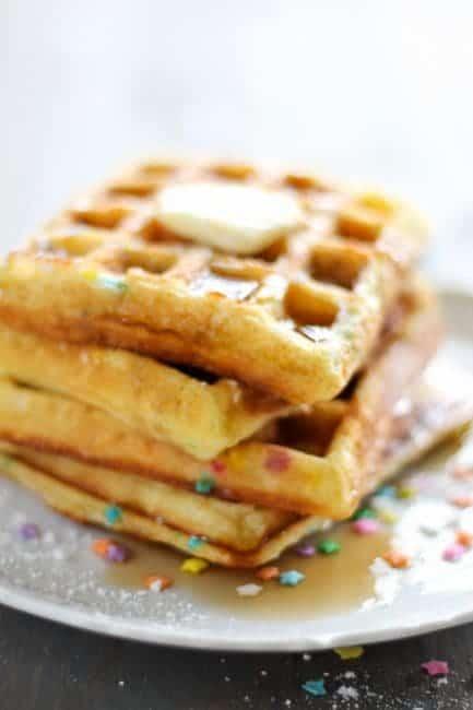 http://iambaker.net/wp-content/uploads/2017/03/Funfetti-Cake-Batter-Waffles-S-16-of-23-433x650.jpg