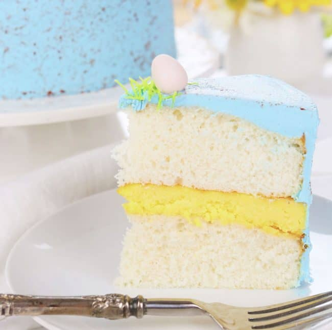 See my easy {VIDEO} tutorial on how to get speckled frosting!