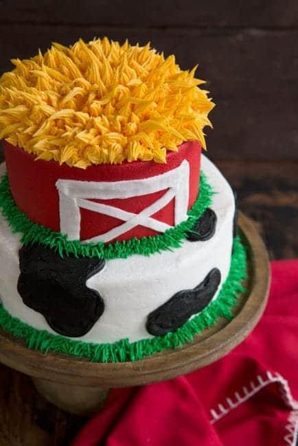 East and FUN Cow & Barn Cake! {VIDEO}