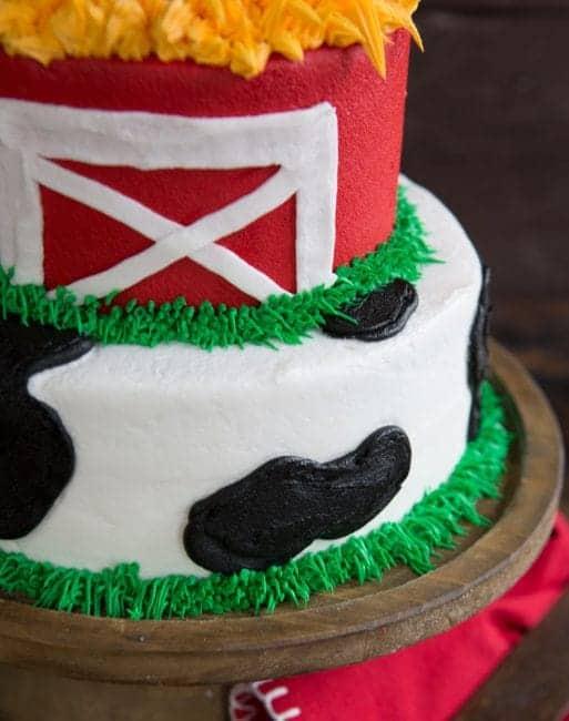 Easy and FUN Cow & barn Cake!