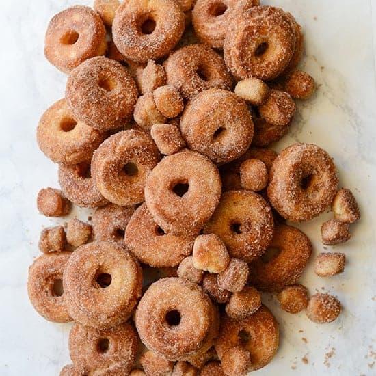 http://iambaker.net/wp-content/uploads/2017/06/550SQUARE-doughnuts.jpg