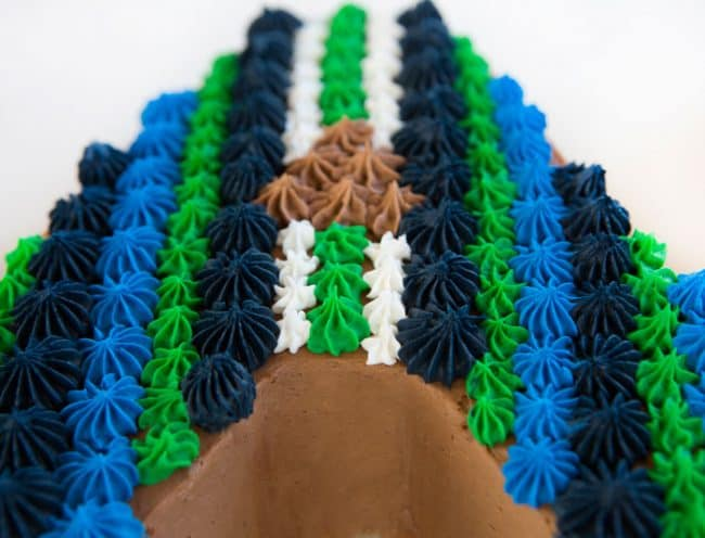 """Close up view of the letter """"A"""" in a DAD cake! Lots of piping!"""