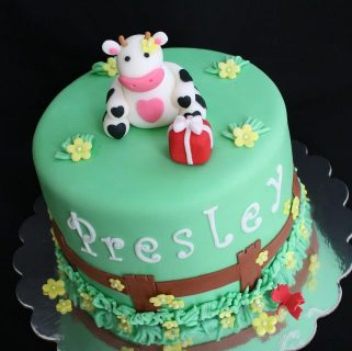 Little Cow Cake and Tutorial