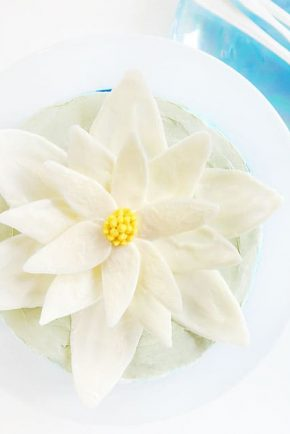 White chocolate water lily on a buttercream cake!