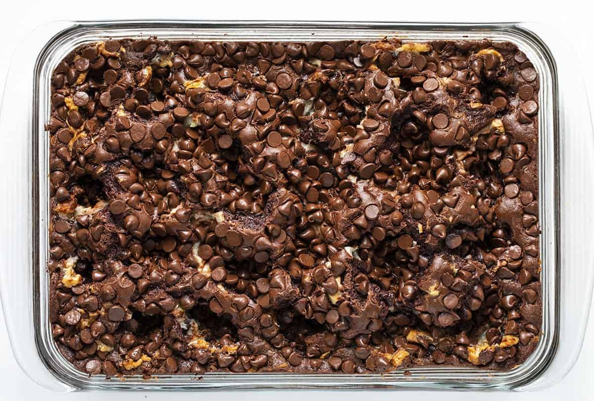 Overhead Image of Earthquake Cake in a Pan