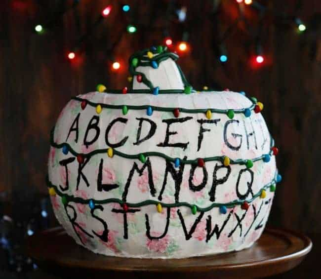 https://iambaker.net/wp-content/uploads/2017/10/Stranger-Things-Cake-smallerBLOG-650x565.jpg