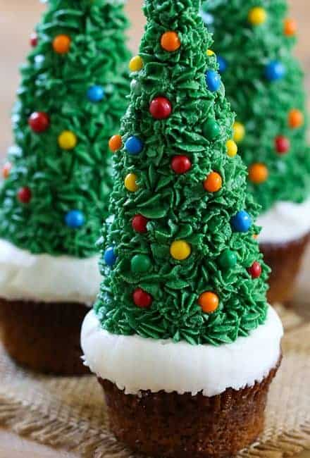 https://iambaker.net/wp-content/uploads/2017/12/Gingerbread-Christmas-Tree-Cupcakes-600x900-440x650.jpg