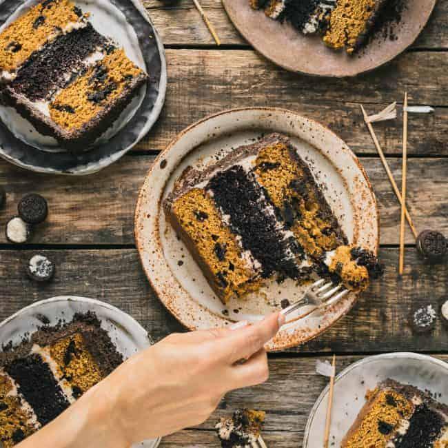 https://iambaker.net/wp-content/uploads/2017/12/Pumpkin-Chocolate-Oreo-Layer-Cake-FG-1-of-1-650x650.jpg