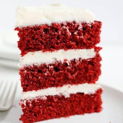 Seriously moist and rich red velvet cake! #redvelvet #redvelvetcake #cake #iambaker