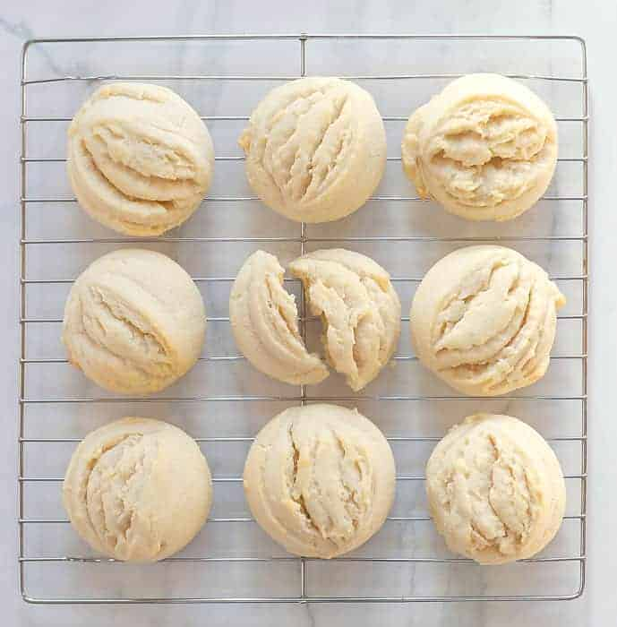 https://iambaker.net/wp-content/uploads/2018/01/Amish-Sugar-Cookies-1.jpg