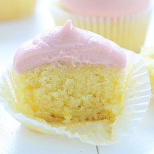 strawberry-lemonade-cupcake-1