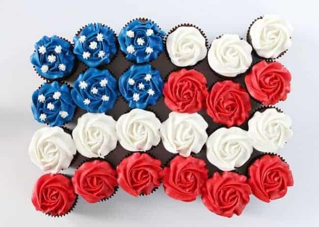 https://iambaker.net/wp-content/uploads/2018/02/flag-cupcakes-cake1-650x462.jpg