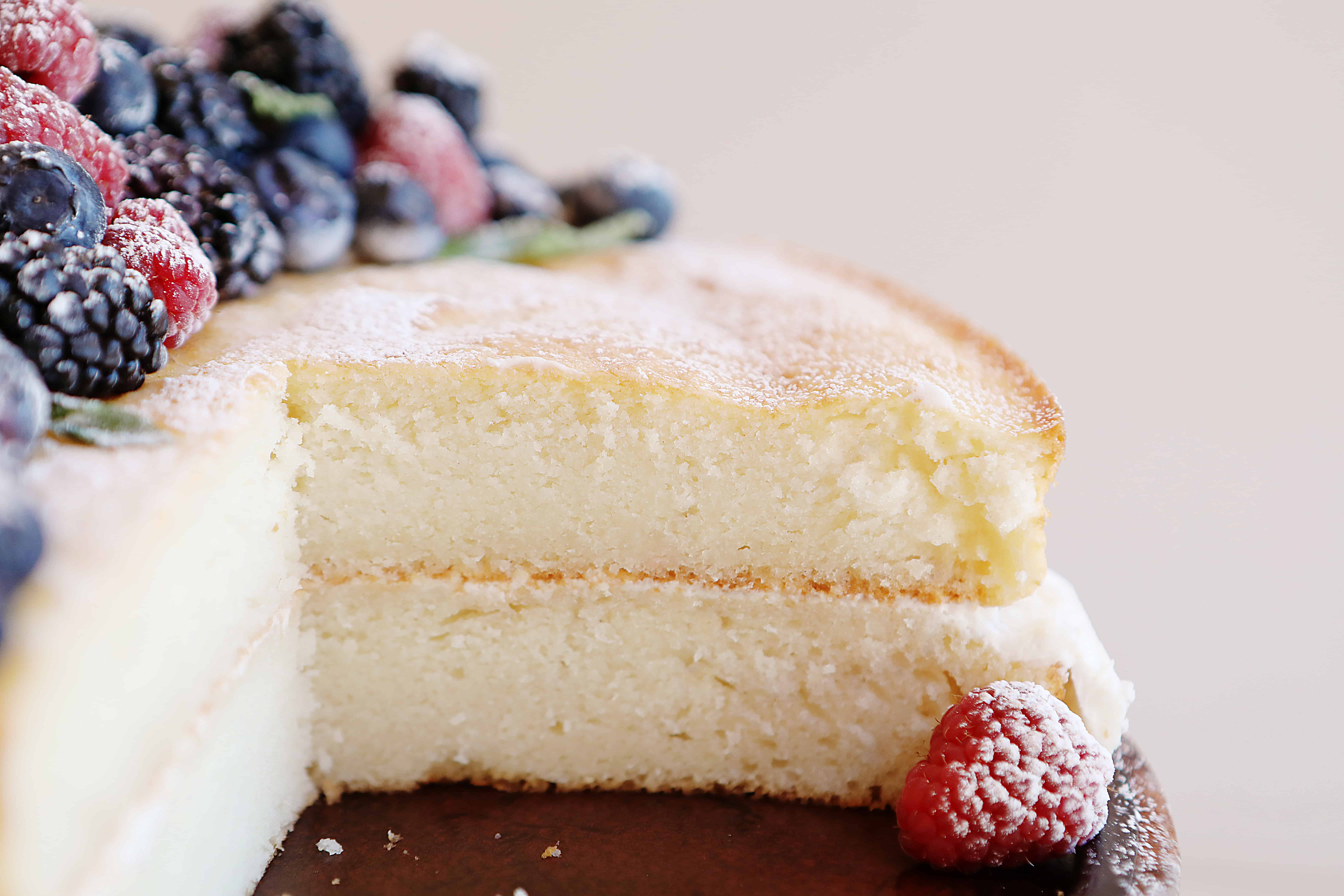 Vanilla Cake with Fresh Fruit
