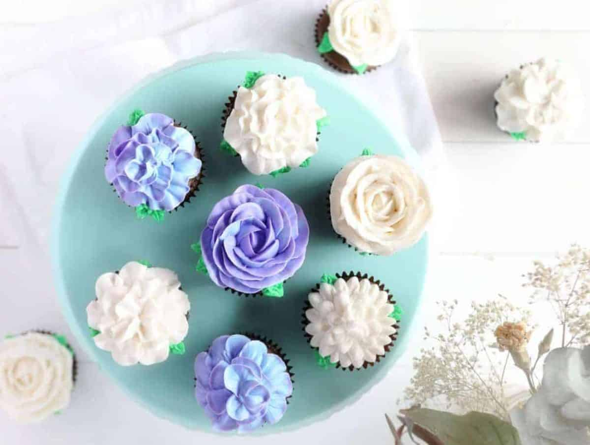 Cupcake Frosting Cupcake Decorating Ideas I Am Baker
