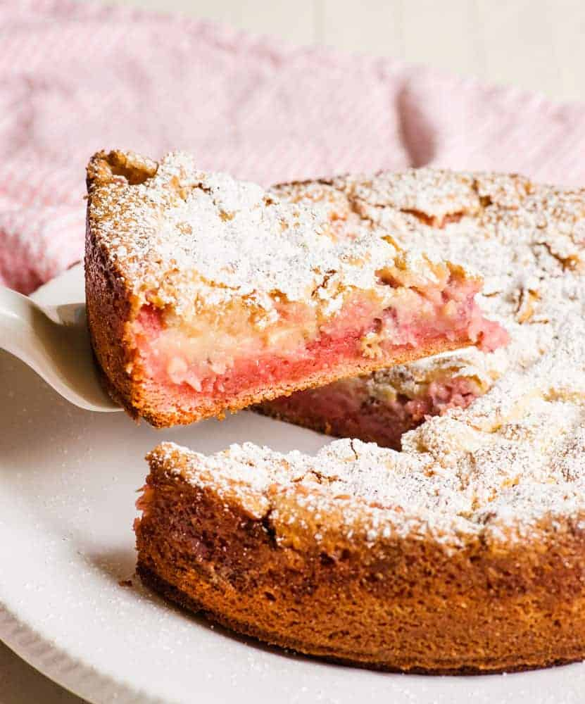Strawberry Ooey Gooey Cake