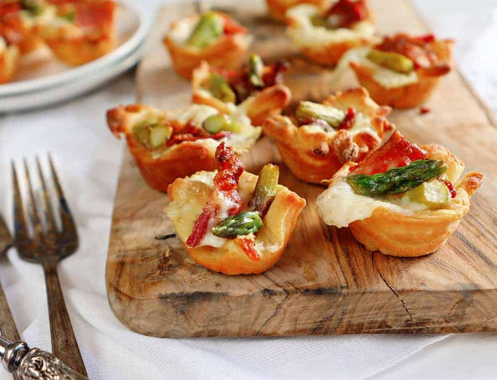 Baked Brie Bites with Bacon and Asparagus