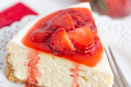 cheesecake-recipe-with-strawberry-topping-5