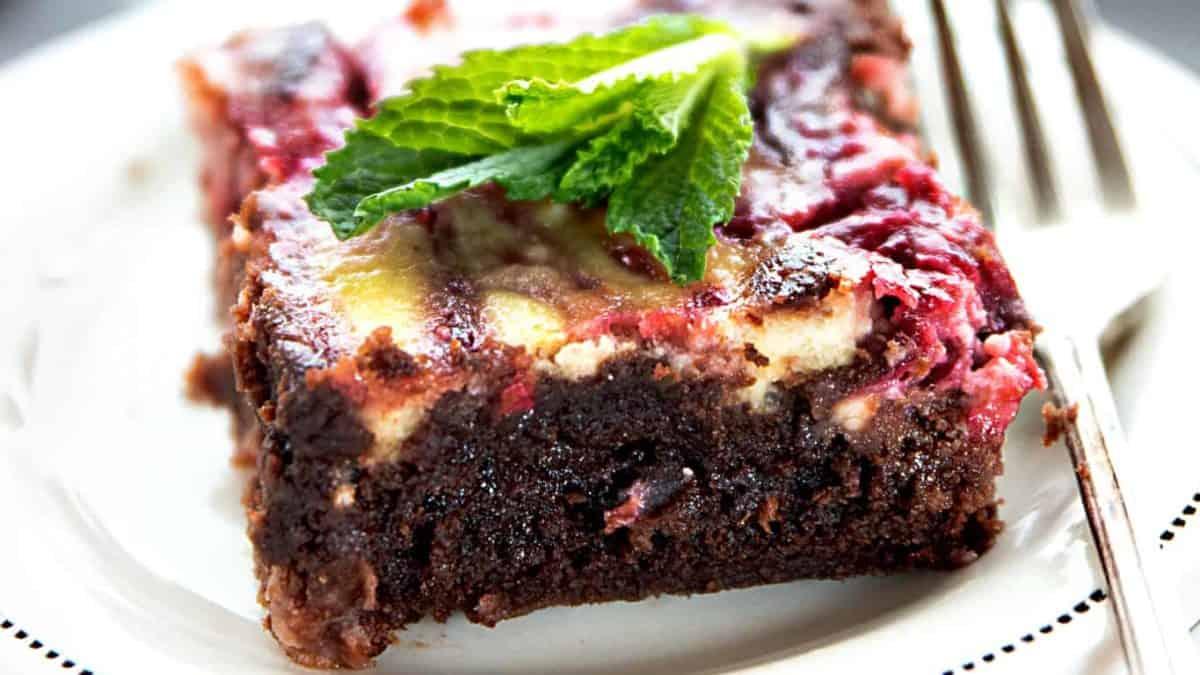 Cool Raspberry Cheesecake Brownies Video I Am Baker Personalised Birthday Cards Veneteletsinfo