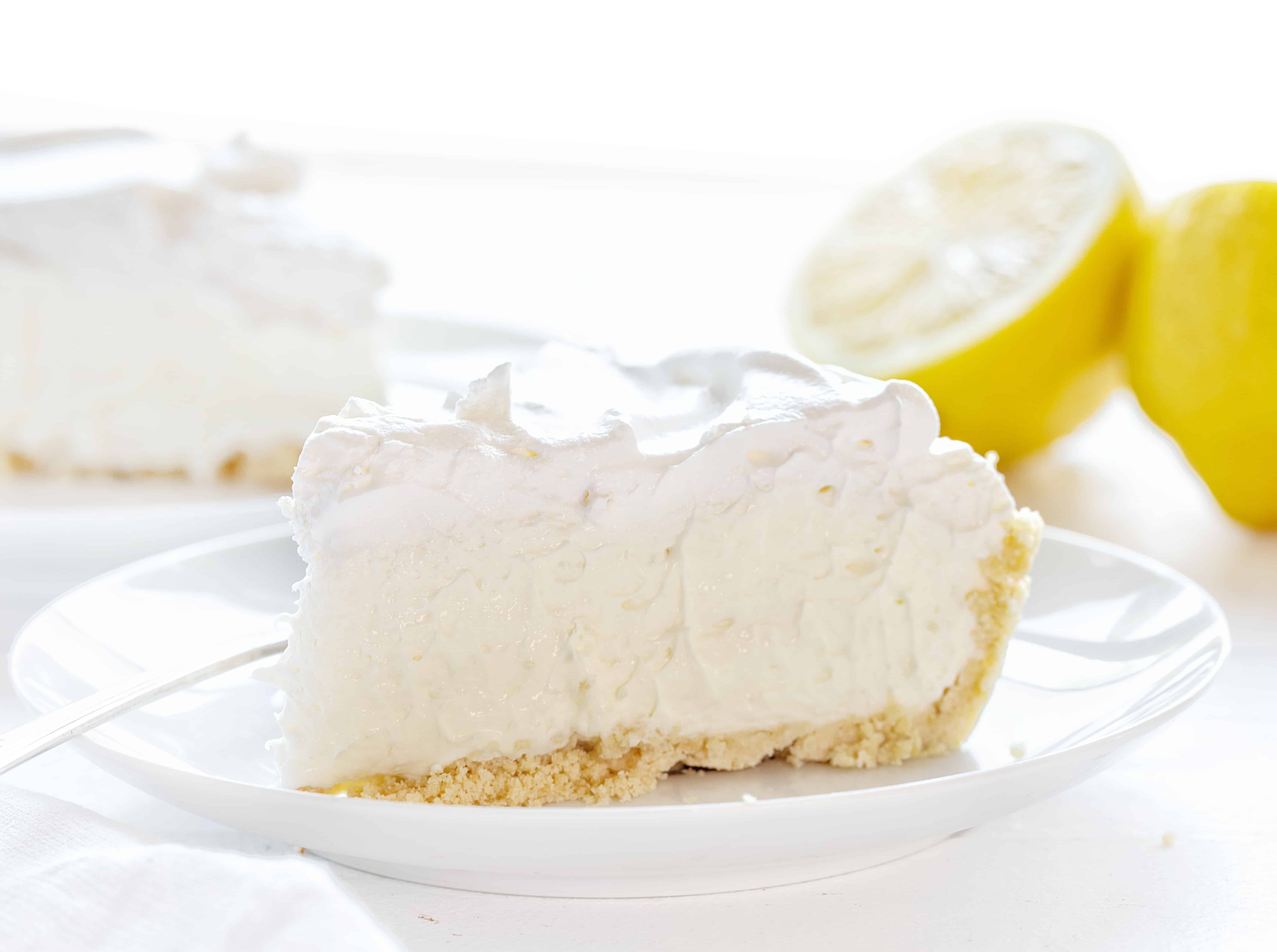 Easy Lemon Cheesecake Cream Pie