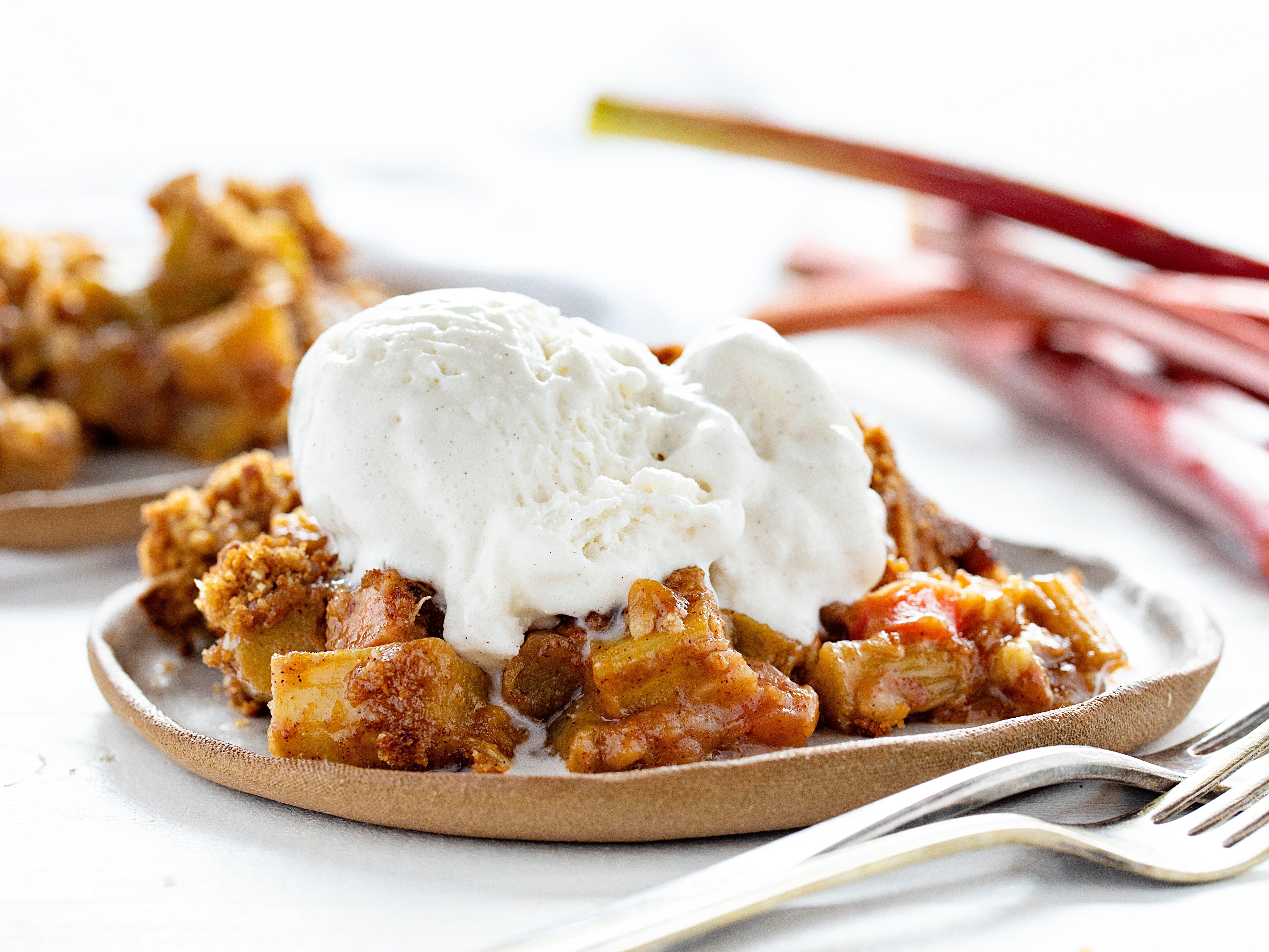 Grandma's Rhubarb Crisp