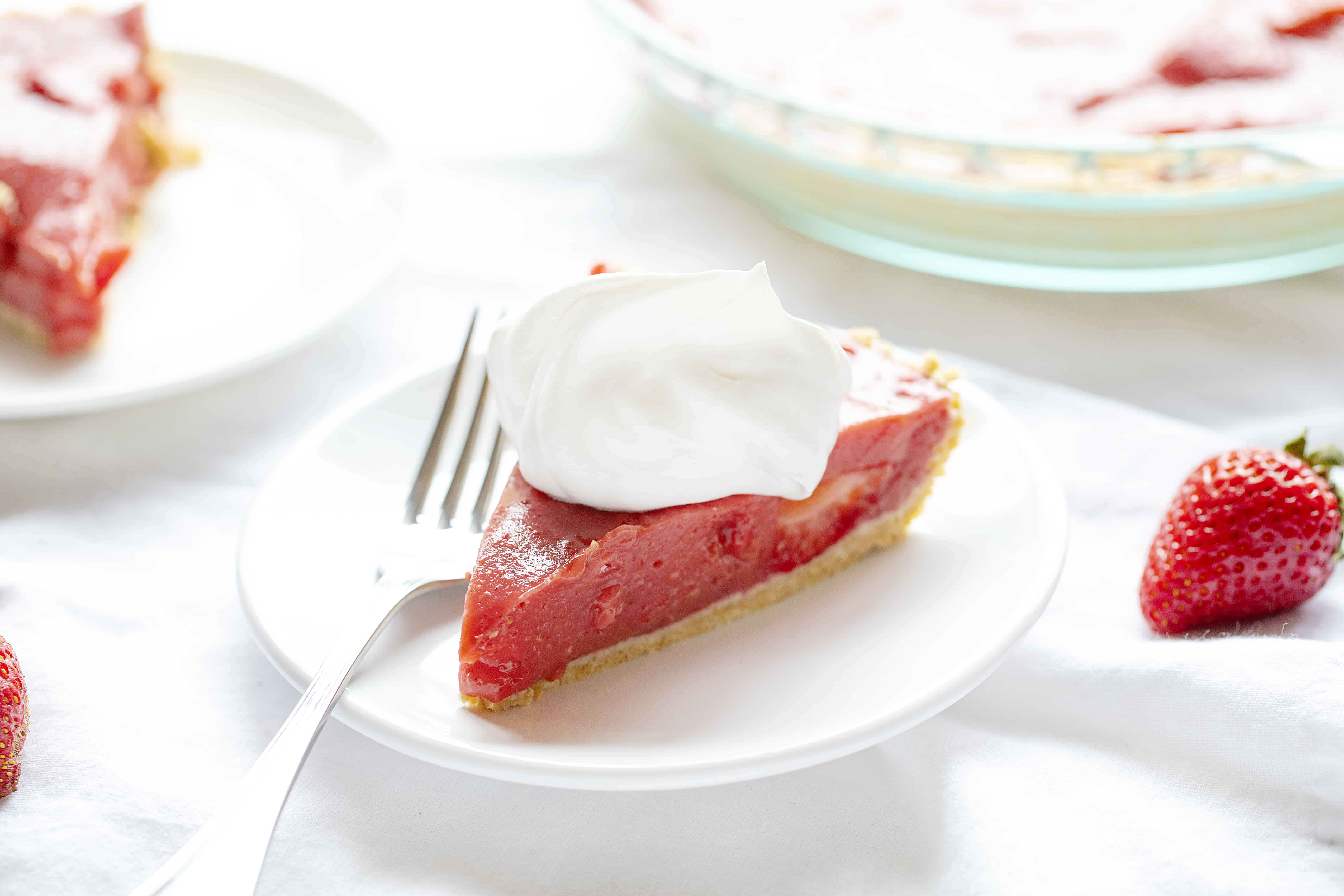 https://iambaker.net/wp-content/uploads/2019/07/straw-pie-2.jpg