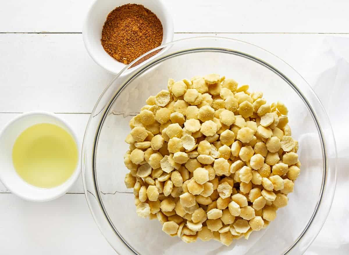 Taco seasoning, oil, and oyster crackers for Taco Oyster Crackers