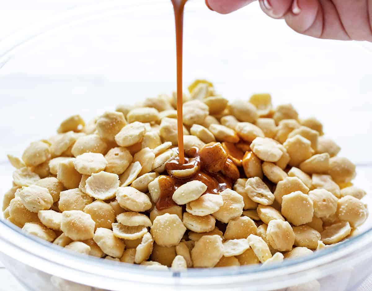 Oil and taco seasoning mixture for Taco Oyster Crackers