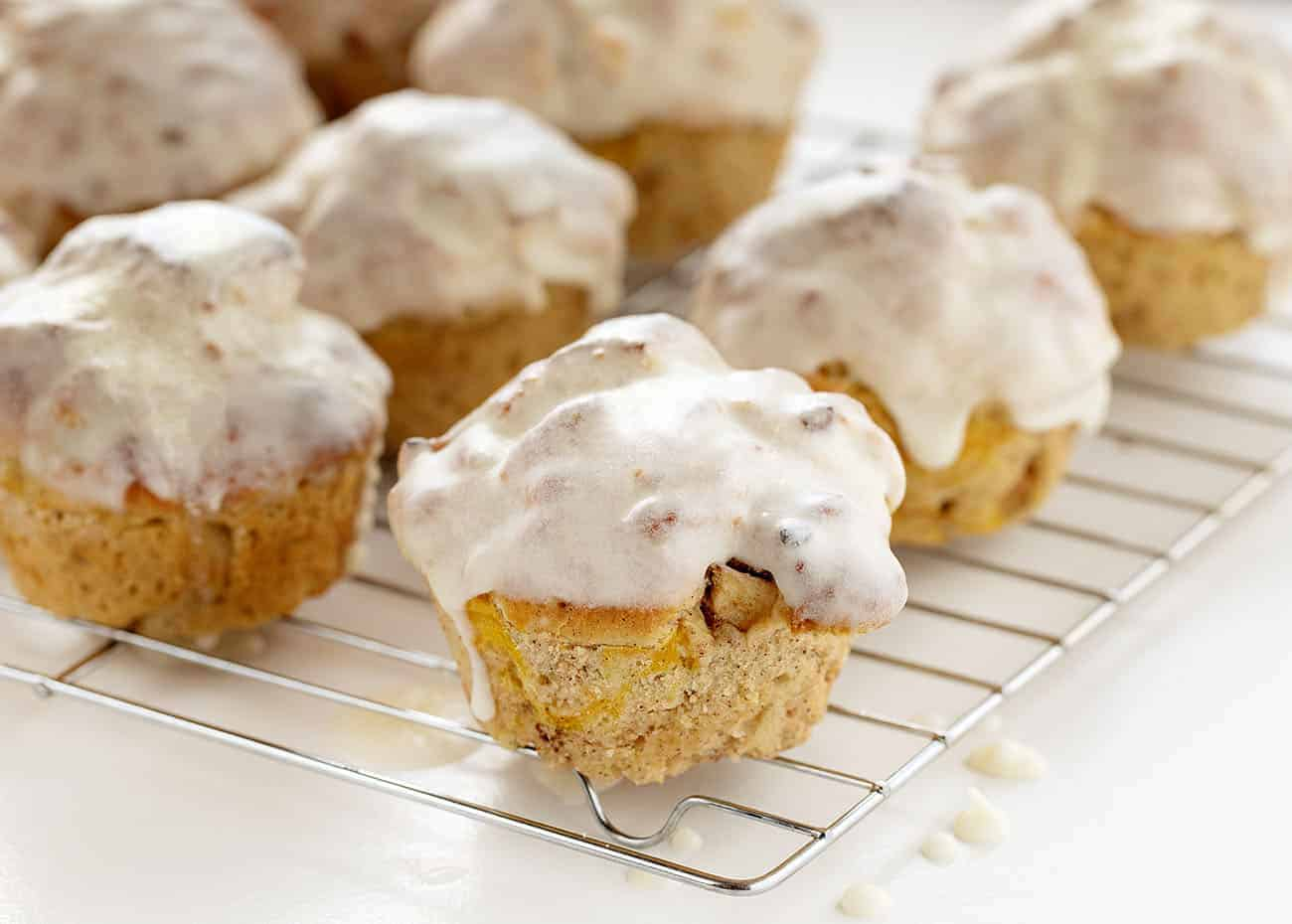 Old Fashioned Apple Muffins