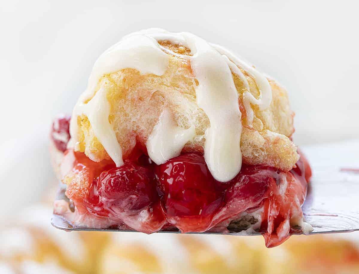 https://iambaker.net/wp-content/uploads/2020/05/cherry-cheesecake-sliders.jpg
