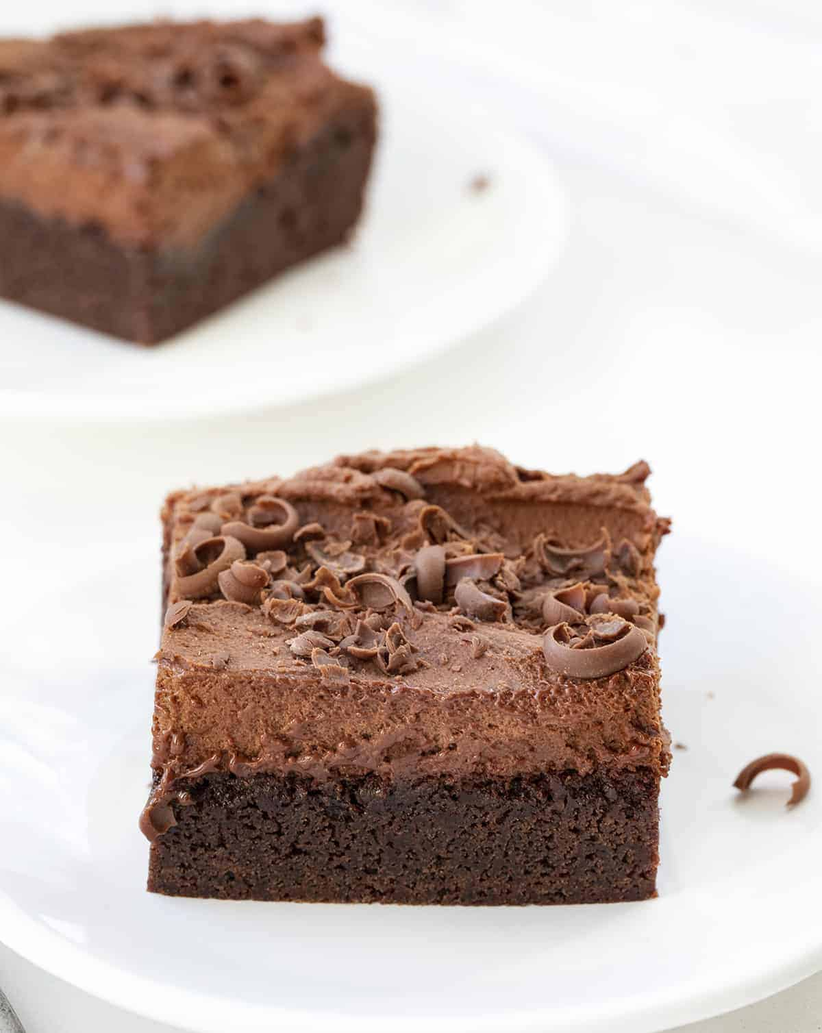https://iambaker.net/wp-content/uploads/2021/03/mousse-brownies-3.jpg