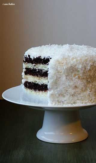 White Cake {Coconut Frosting} - i am baker