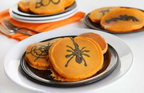 2011_10_22_639.spider-halloween-pancakes