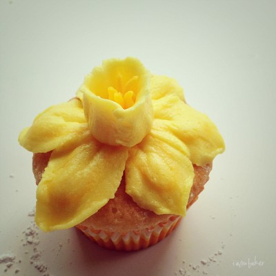 how to make buttercream daffodils